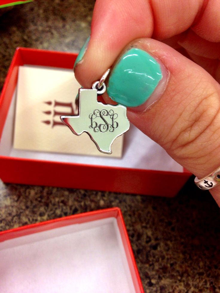 If I ever moved,  I'd wear this all the time to remind me I'm a Texas girl :-) and not forget what that means.