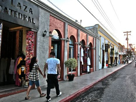 San Jose Del Cabo streets - photo by David Latt