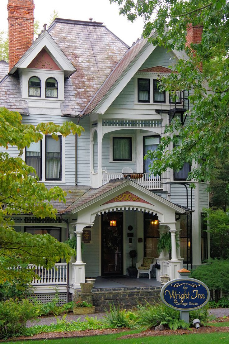 Grand Victorian Bed and Breakfast inn in Asheville, North Carolina. Wright Inn. See more: :