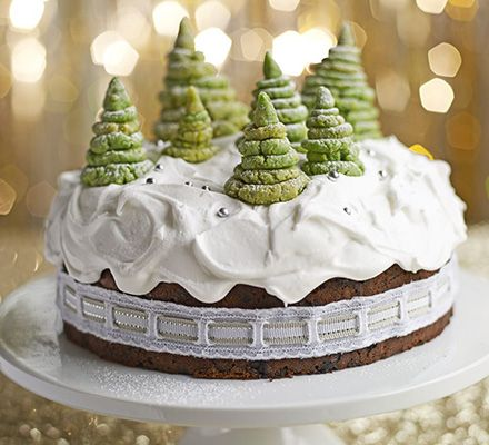 Enchanted forest Christmas cake #christmas #food #recipe Visit us: http://explodingtastebuds.com