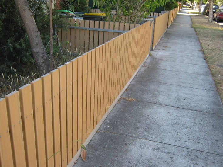 Sahara; screening and fences on main road #ModWood #88mm #Screen #Fence