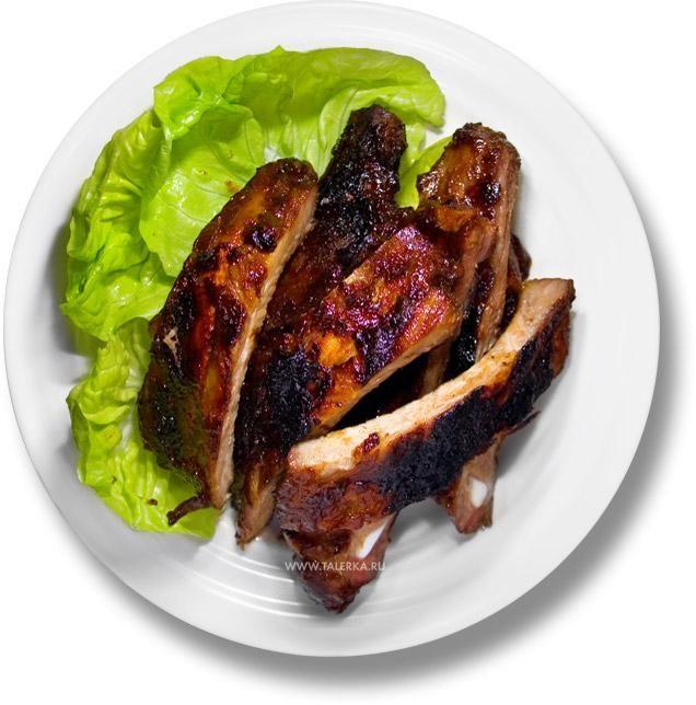 Свинячі реберця на грилі з китайським соусом барбекю