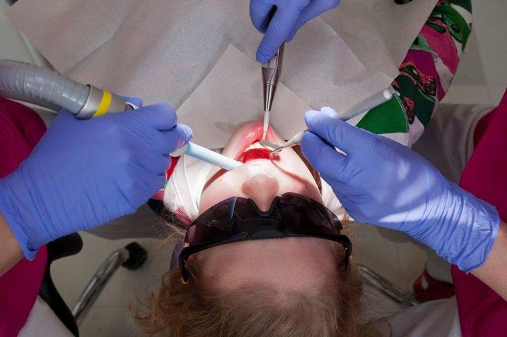 Yksitoistavuotiaan Linda Widemanin hampaat tarkastettiin Turun keskushammashoitolassa.