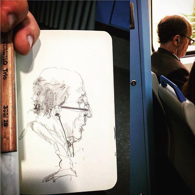 #gentequesedibujaeneltren #bocetorapido #boceto #dibujar #dibujo #sketchbook #sketch #sketching #lapiz #6B