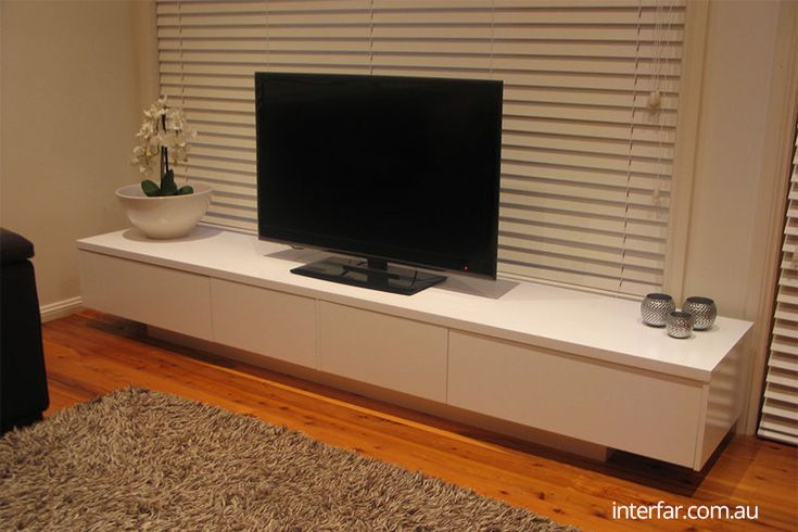 Media-unit-with-recessed-base