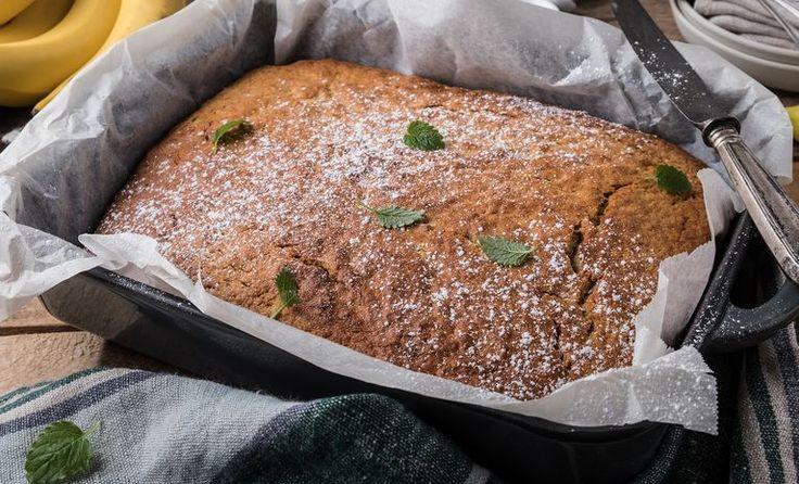 Banana cake in the long pan