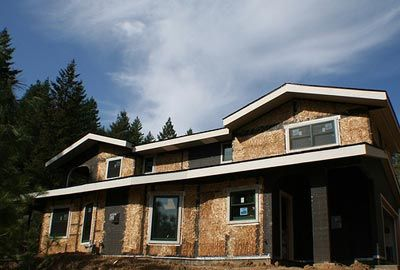 Casa construída com fardos de palha