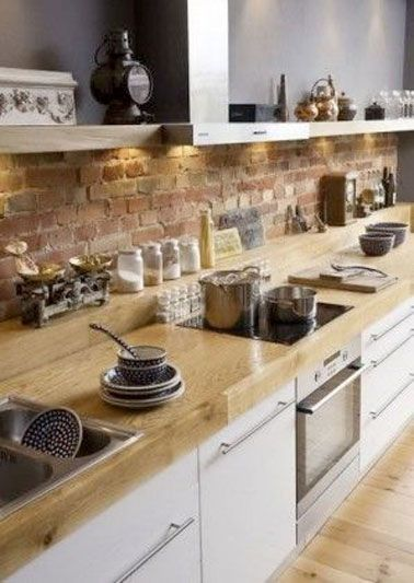 Mur en brique dans une cuisine ambiance traditonnelle