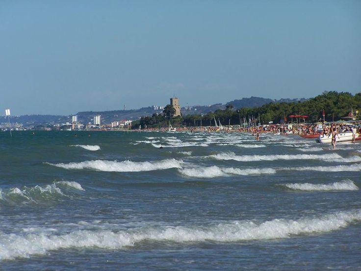 Hotel la Pineta Pineto waves