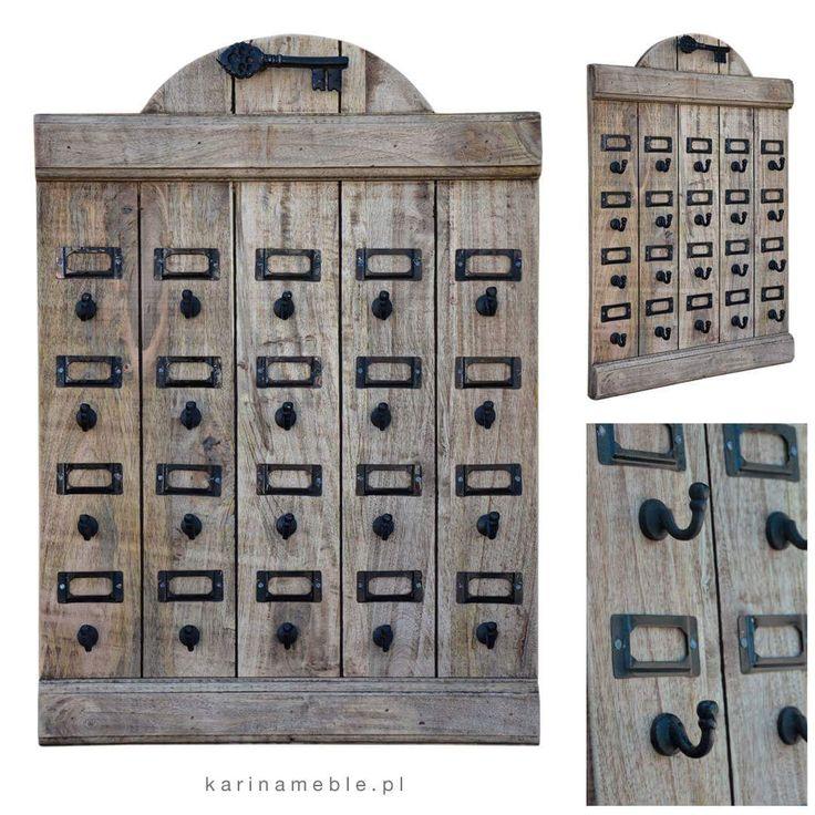 Jeśli masz za dużo kluczy i nigdy nie wiesz który jest do czego to mamy rozwiazanie - organizer na klucze. Zrobione jest z litego drewna mango woskowane i przecierane i połączone z czarny metal. Idealne pasuje do każdy meble loftowe oraz wnętrza w stylu industrialnym.