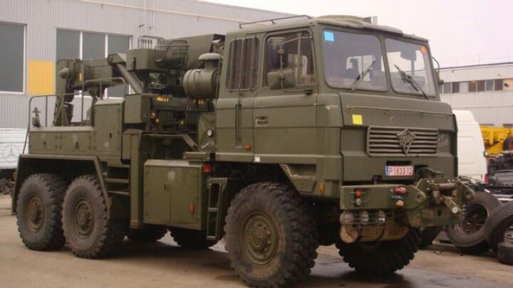 FODEN 6 x 6 British army tow truck