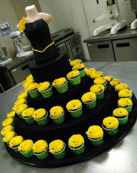 #Yellowcupcakes #dresscupcakes #bdaycupcakes #customcupcakes #cupcakesyummy #cupcakes