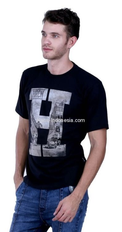 Kaos pria HRC 17-42 adalah kaos pria yang nyaman untuk dipakai...