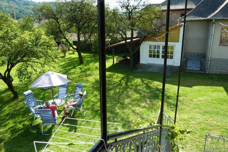 De vakantie midden in de natuur doorbrengen. Het kan in dit vakantiehuis in Hongarije. Het biedt ruimte aan 8 personen en is gelegen in Nekézseny.