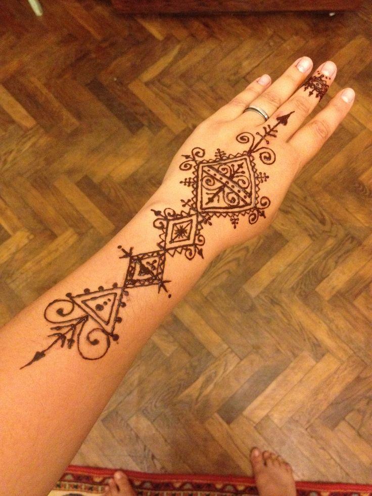 17 best images about on pinterest henna patterns henna mehndi and mehendi. Black Bedroom Furniture Sets. Home Design Ideas