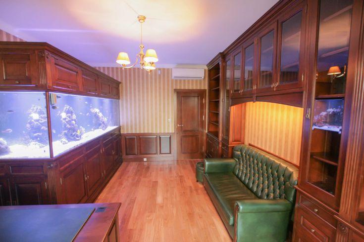 stylowa zabudowa biura, gabinetu, traditional home office, wooden bookcases, custom furniture  - wykonanie Artystyczna Manufaktura