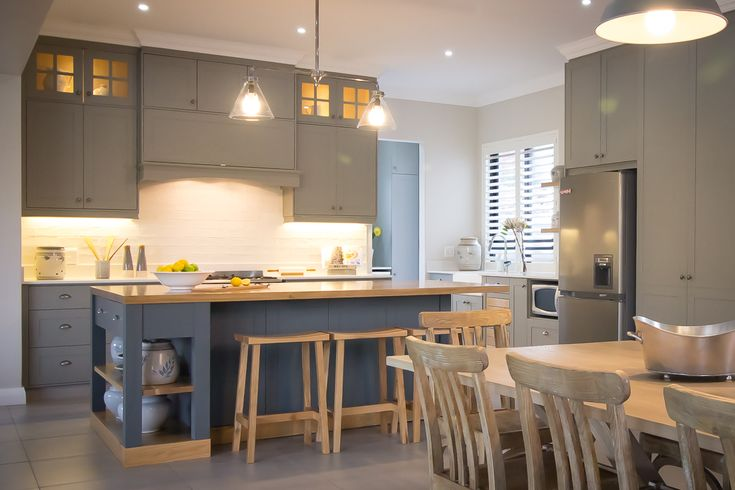 Caesarstone Kitchen of the Year 2016 | Local Category | Beth Haynes Design by Beth Haynes featuring Caesarstone Frosty Carrina