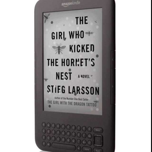 Kindle. LOVEEE.