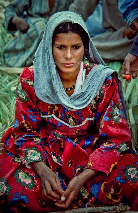 Traditional Egyptian woman  farmer    I want to know what she is thinking