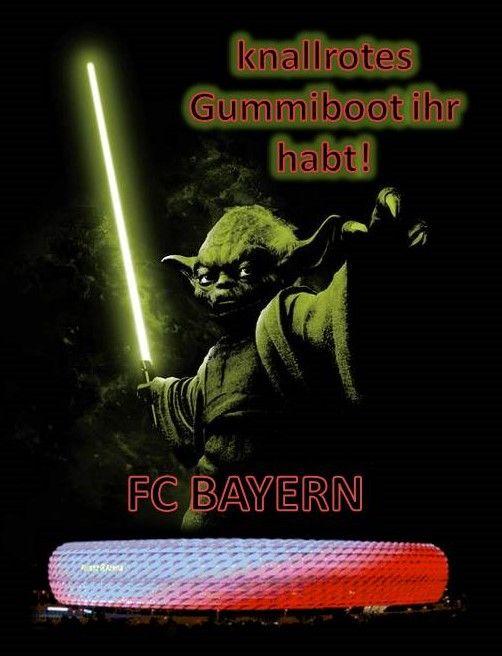 Der FC Bayern hat ein knallrotes Gummiboot als Fußballstadion.