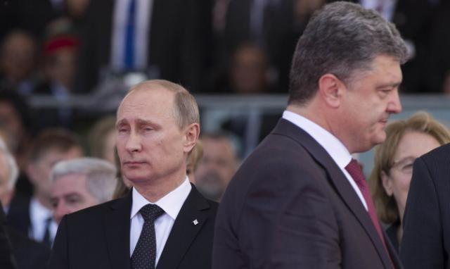Порошенко считает, что Путин потерпел фиаско на Донбассе. Порошенко о Сирии: Путин пытается вернутся в мировую политику с «черного хода»  Порошенко считает, что президент Российской Федерации Владимир Путин путем действий в Сирии пытается вернуть свое вли�