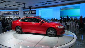 Photo: 2017 Ford Fusion at the Detroit auto show Photo 1