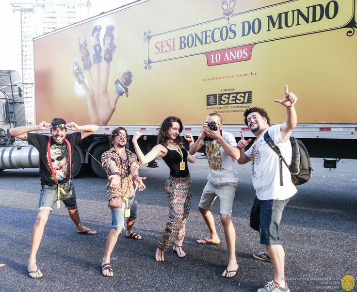 Sesi Bonecos do Mundo com  o grupo mosaico cultural