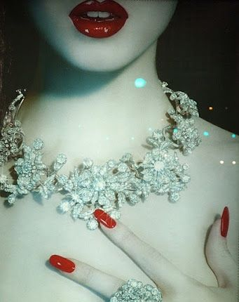 : Best Friends, Hot Lips, Red Nails, Red Lips, Jewelry, Sparkle, Diamonds Necklaces, Snow White, Bling Bling