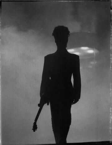 No one makes a better silhouette than him!! <3 forever!!