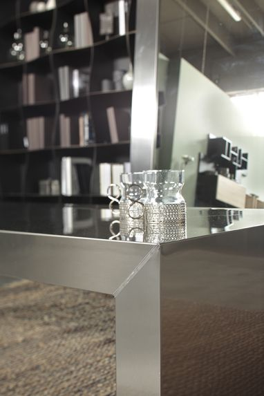 Deck #stainless #steel #coffee #table #details