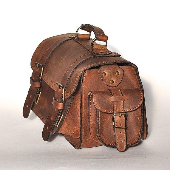 Medium size leather camera bag / Women/Men chestnut by BlueDrop