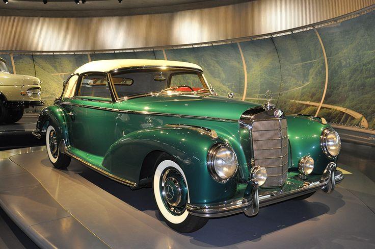300 S (W 188) cabriolet 1954. Mercedes-Benz Museum Stuttgart. Photo Jorge Alejandro Medellín. 2011.