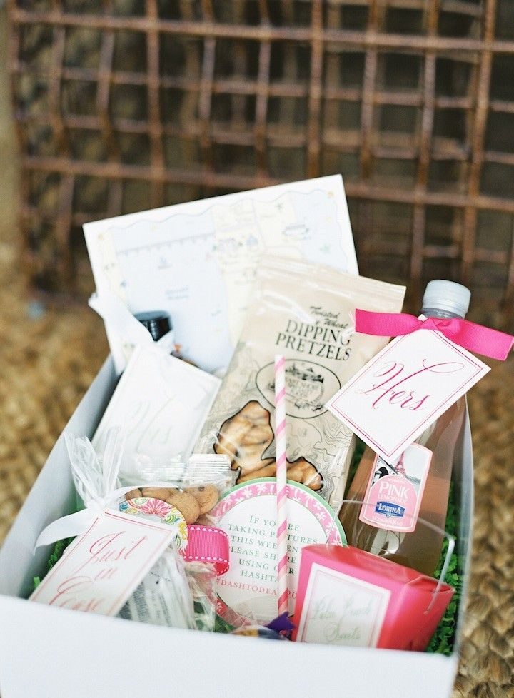 Wedding Gift Basket For Out Of Town Guests : welcome basket for out of town wedding guests; photo: Kat Braman