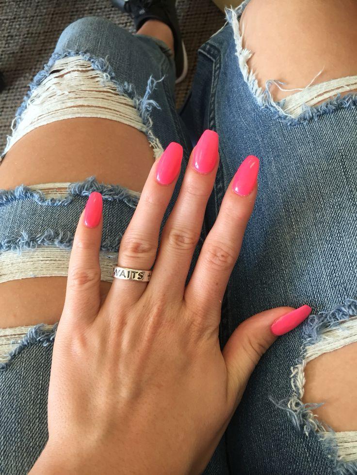 pink coffin/ballerina nails