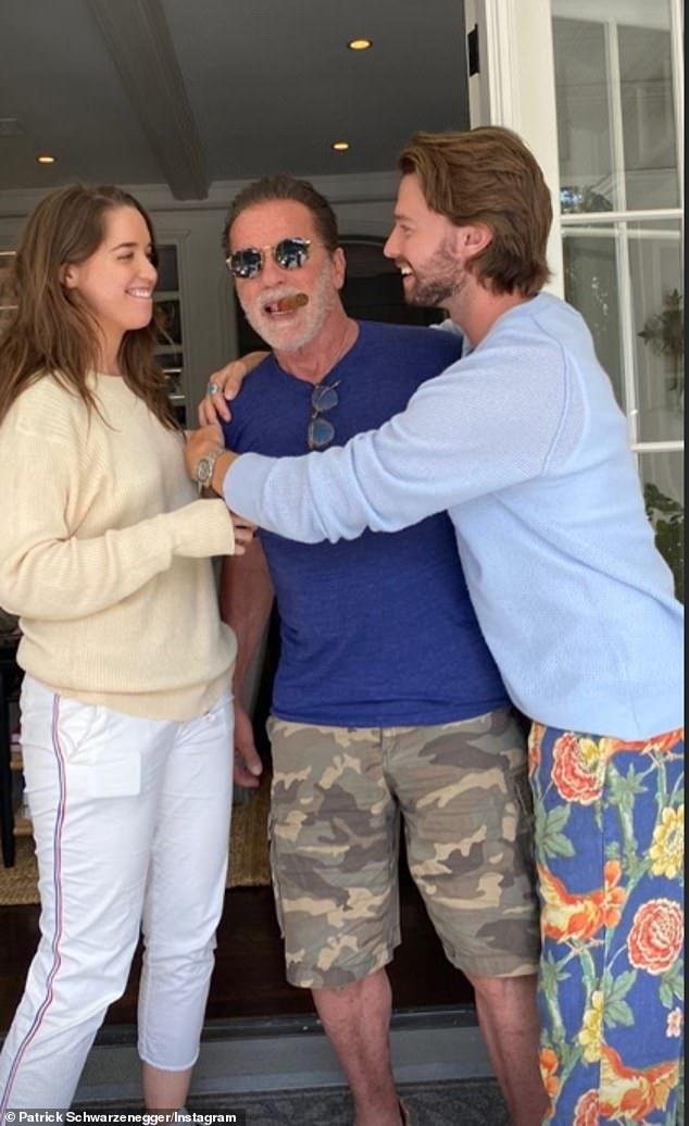 Arnold Schwarzenegger Poses With His Children And Ex For Father S Day In 2020 Arnold Schwarzenegger Arnold Schwarzenegger Family Schwarzenegger