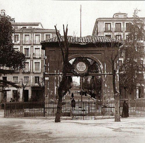 Madrid antiguo. 1900. Plaza del Dos de Mayo