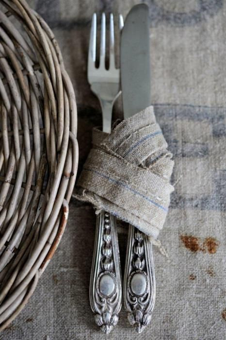 Photo: Places Mats, Tables Sets, Napkins Rings, Interiors Design, Rustic Tables, Dinners Parties, Picnics Food, Vintage Silverware, English Home