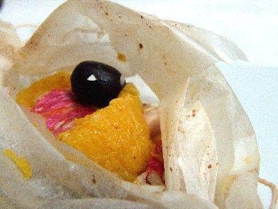 Triglia al cartoccio con arancia, finocchio e olive nere | il cavoletto di bruxelles