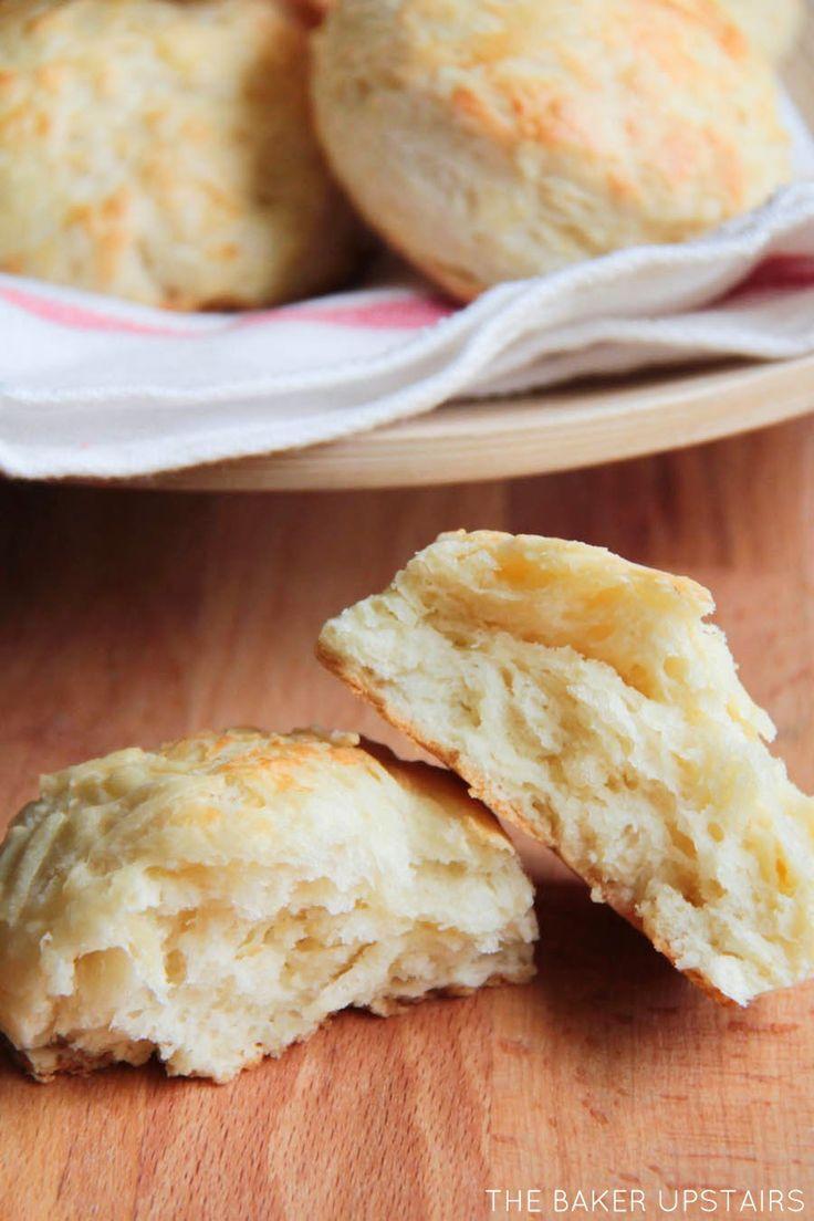 the baker upstairs: Dubliner cheese scones