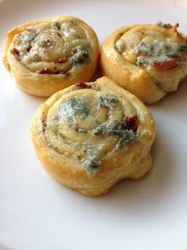 Recipe: Bacon and Bleu Pinwheels {Pillsbury}