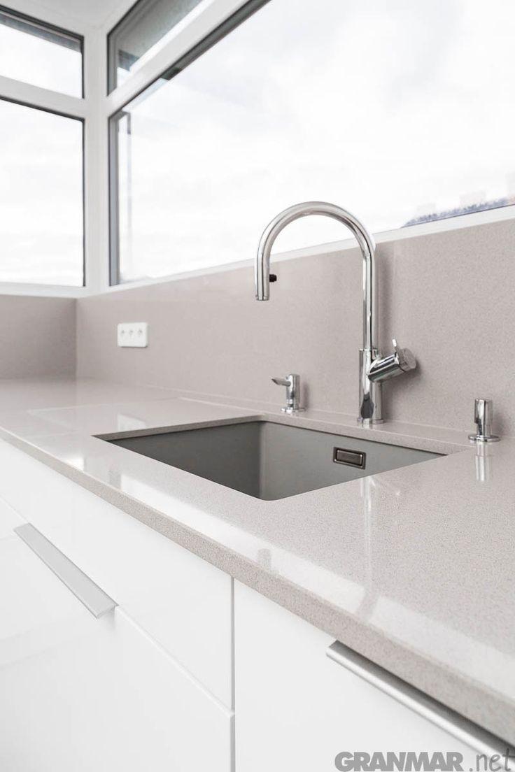 Amiata #quartz #kitchen #kitchentop #interior
