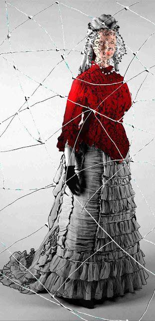 Calliope Iconomacou: Captive