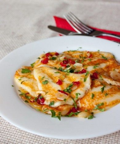 Жареный сулугуни с острым перцем и чесноком Russian Sulguni Cheese with Hot Pepper and Garlic
