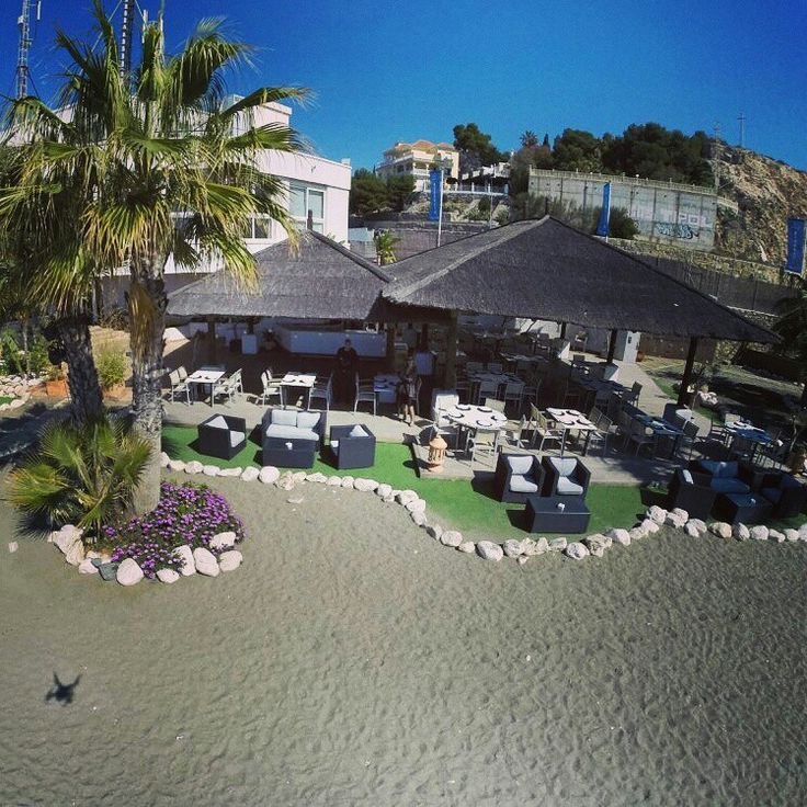 Nuestro beach para ti, para disfrutar del sol y la playa de Málaga #restaurantes #malaga #playa