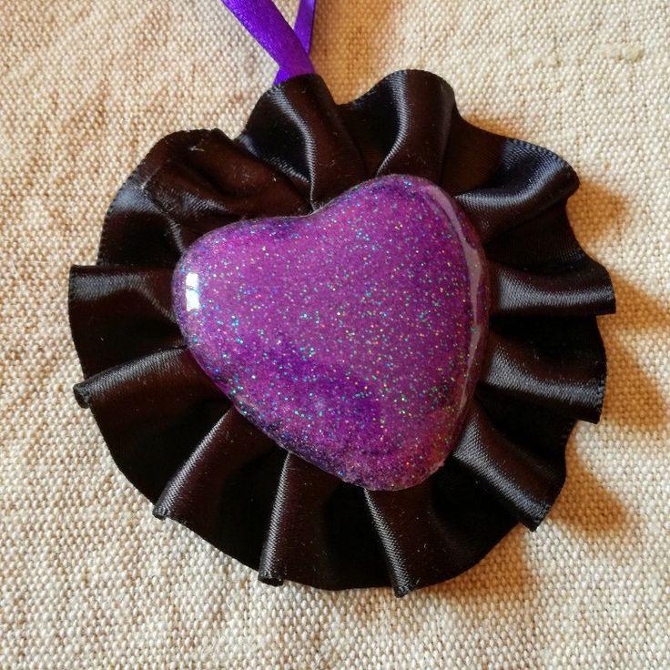 #neckace #collana #handmade #fattoamano #resin #cuore #heart #gothic #gothicgirl #accessorises #purple #satin #resin #glitter #brillantini #dark #wave #black