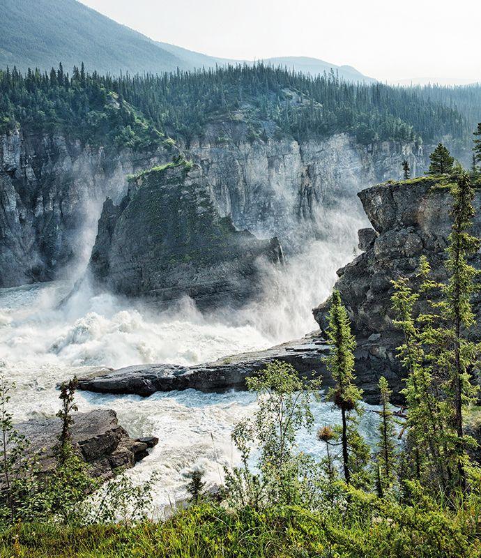 The roiling waters at the precipice of Nálcho, a.k.a. Virginia Falls in the Northwest Territories' remote #Nahanni National Park Reserve in #Canada: http://enroute.aircanada.com/en/articles/rafting-northwest-territories-nahanni //  Les remous aux pieds de Nálcho, ou chutes Virginia dans la réserve de parc national Nahanni dans les Territoires du Nord-Ouest au #Canada: http://enroute.aircanada.com/fr/articles/aventures-en-eaux-vives-dans-les-territoires-du-nord-ouest  #exploreCanada…