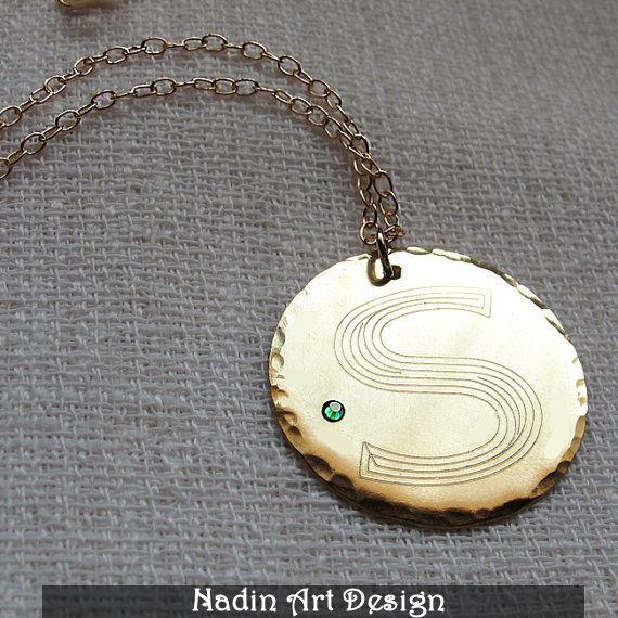 Goldhalskette mit Monogramm-Anhänger und Kristall von EngravedJewelry auf DaWanda.com