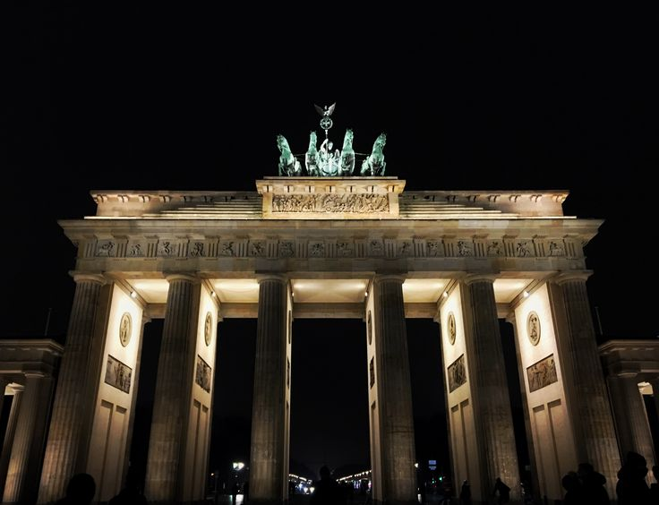 #brandenburgtor #berlin #architecture #old #visit #night #monument