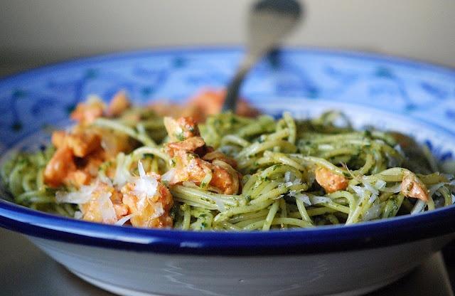 Pesto Pasta with Tandoori Chicken