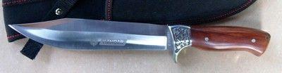Lovecký nůž 31,5 cm - MEGA VÝPRODEJ SKLADU - SLEDUJTE I NAŠE DALŠÍ AUKCE, POSTUPNĚ PŘIDÁVÁME ZBOŽÍ !!!     Kvalitní nůž z nerezové oceli C 440, tloušťky 4 mm, dlouhý 31,5 cm ,čepel dlouhá 18,5 cm. Dřevěné střenky. V nylonovém pouzdře s okem na opasek.    !!! VŠE ZA EXTRA NÍZKÉ CENY !!!  PODÍVEJTE SE TAKÉ NA MÉ OSTATNÍ AUKCE, V MÉ NABÍDCE NAJDETE: SAMURAJSKÉ MEČE NOŽE HŮLKY S MEČEM FANTASY ZBRANĚ A JINÉ.... Platba převodem za 80,- nebo na dobírku za 130,-. O dobírku je nutné požádat…